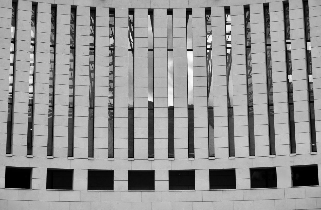 Architecture Backgrounds Black And White Photography Blackandwhite Blackandwhite Photography Blackandwhitephotography Build Building Exterior Built Structure Close-up Day Full Frame Geometric Geometric Architecture Geometric Art Geometry In A Row Italy New Talent This Week New Talents No People Outdoors Parallel Pattern Repetition