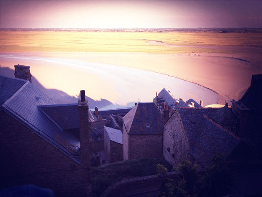 Hanging out at Le Mont-Saint-Michel by Smeagolgotzeblouse