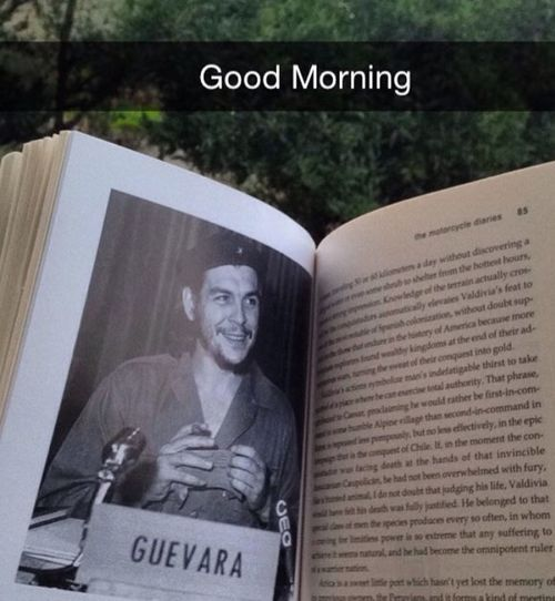 Morning Reading Books Che Guevara The Motorcycle Dairy