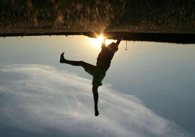Cartwheels kinda day. EyeEm Tadaa Community EyeEm Best Shots Sunset Silhouette Faces Of Summer Capturing Freedom