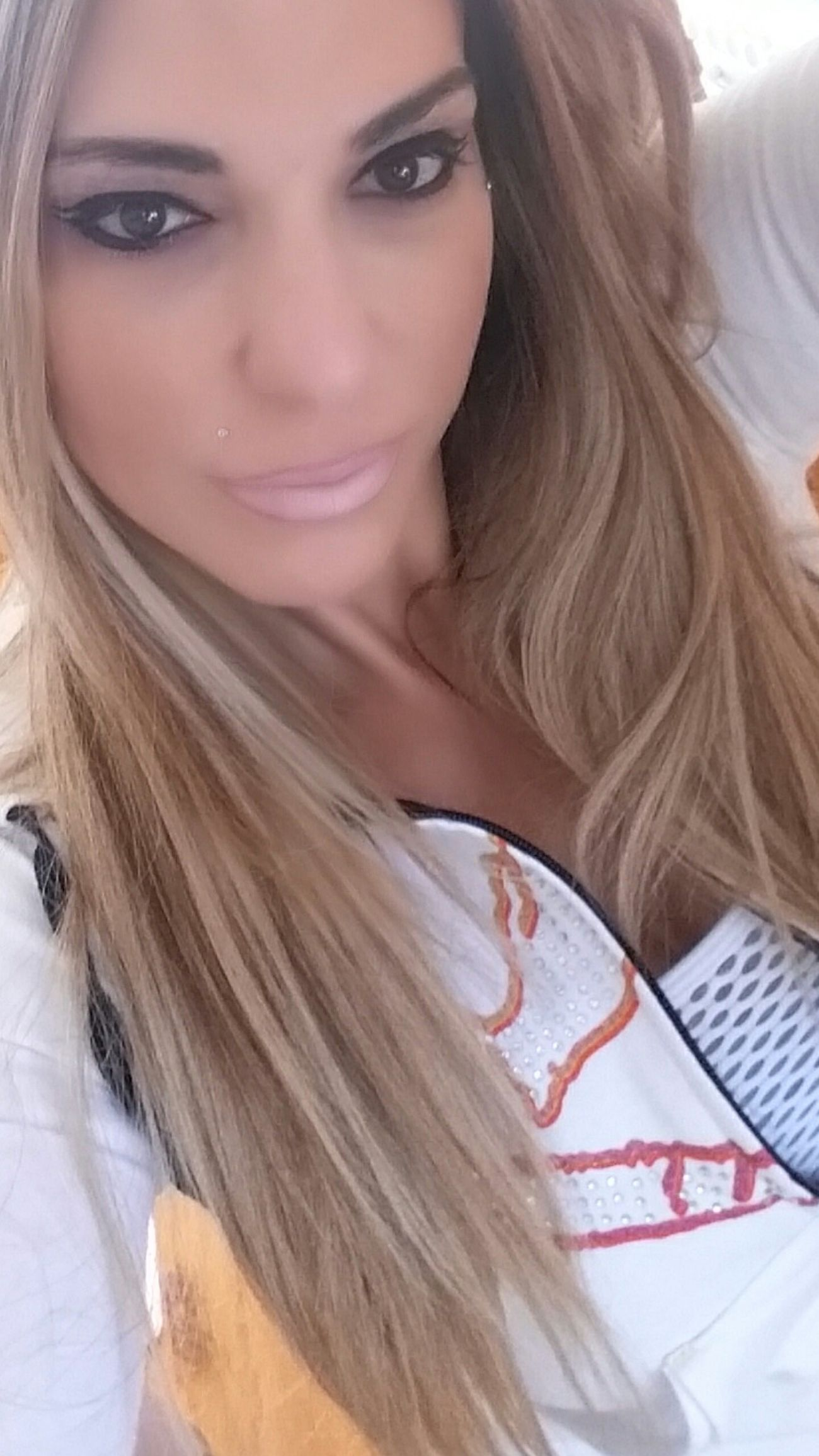 www.anastasiaverkos.com Selfieoftheday Big Eyes♡ Beautiful Girl Beautifullips Lovelovelove Happy :) Enjoying Life Healthyliving GymTime Hanging Out