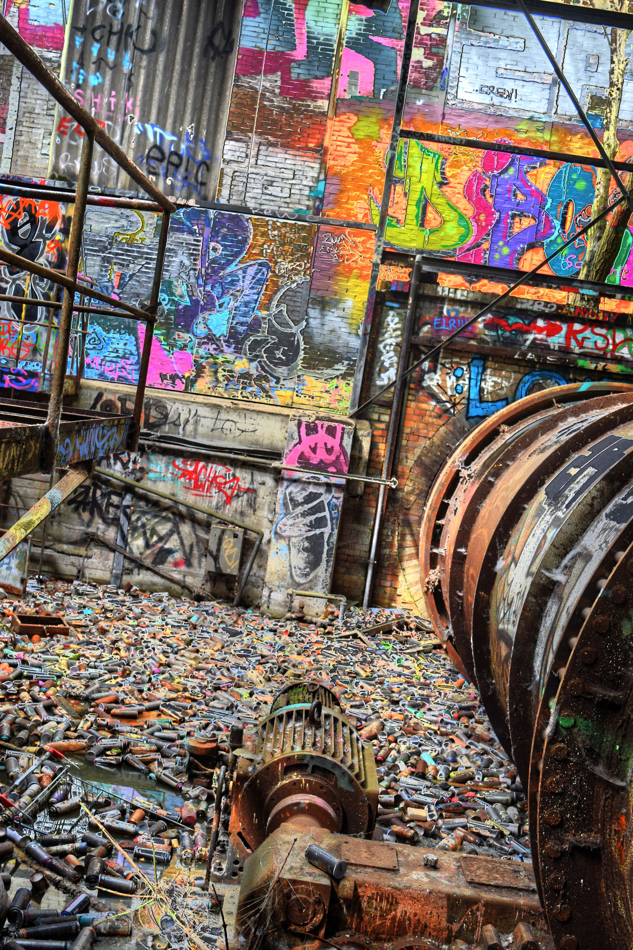 Urban Multi Colored Abundance Full Frame Indoors  Large Group Of Objects No People Stack Variation Backgrounds Choice Day Close-up Grafitti Graffiti Wall Müllverbrennungsanlage Hdr Edit HDR HDRphoto Hdr_lovers Hdrimage Hdrmania Hdrzone Hdr_pics
