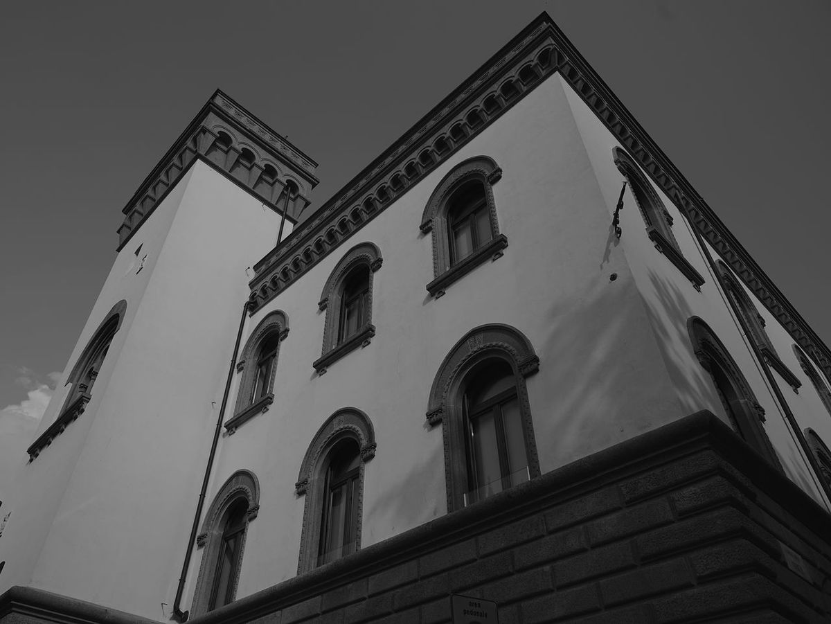 Architecture Low Angle View History Building Exterior No People Outdoors Sky Day City Sonya7rm2 Sony A7RII Lombardia, Italy Sony A7rm2 Italy 🇮🇹 Sal24f20z Zeiss 24 Distagon Zeiss 2/24 ZA CarlZeiss Carl Zeiss Lecco