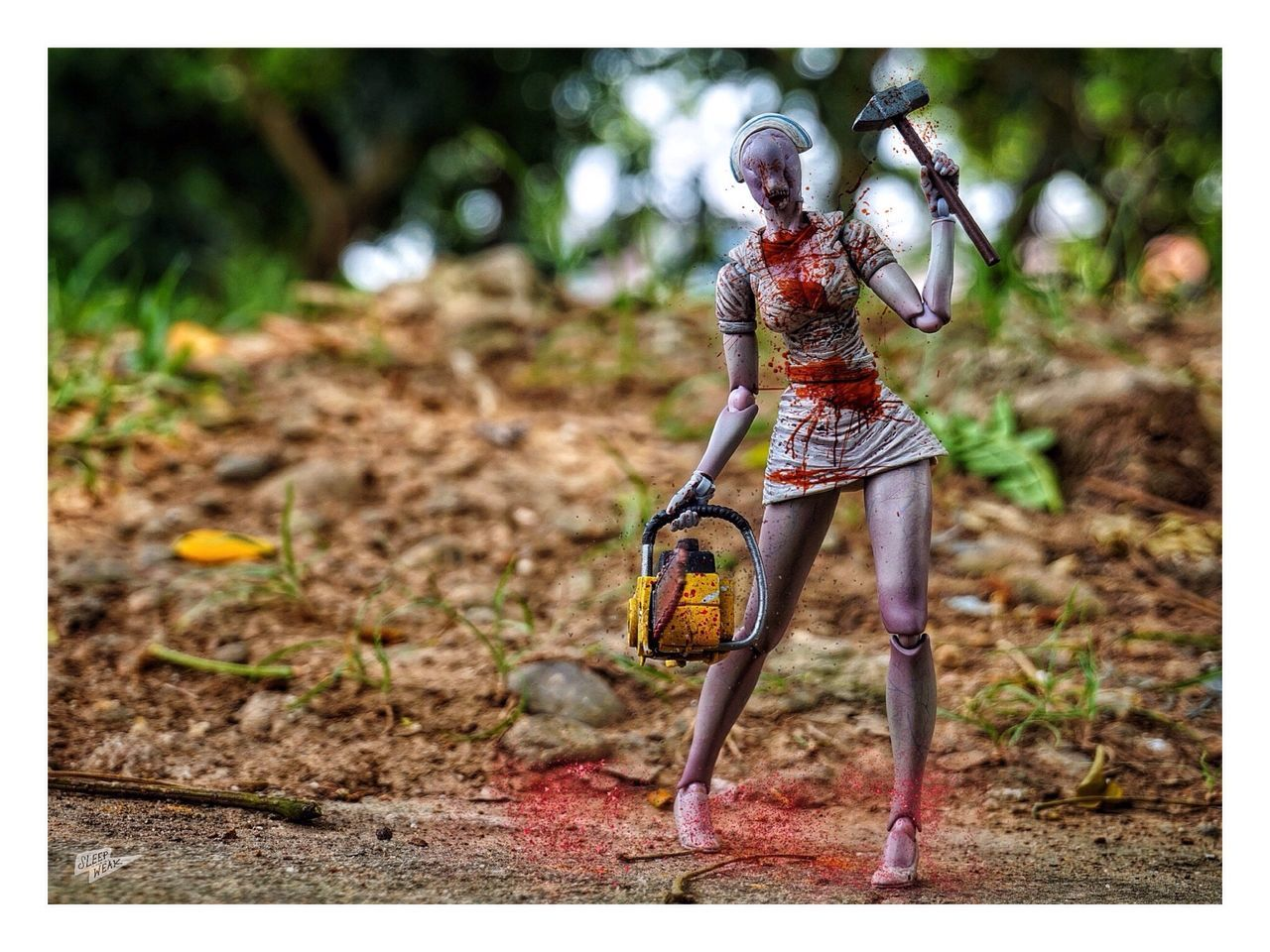 Dia berdarah darah dari antah berantah! Horror Eyeemphotography Toysarehellasick Silent Hill EyeEmPaid Toy Photography Toyoutsiders Toycommunity Welcomeweekly Outside Photography EyeEm Best Shots - Nature EyeEm Nature Lover EyeEm Best Shots - Landscape EyeEm Toyphotography Eye4photography  EyeEm Best Shots Horror In Nature Photography