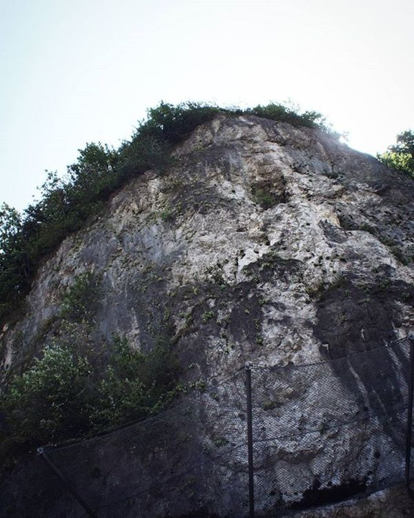 Beautiful Upwards View . Something Rocky . The Hill which the Fortress is over it. Near the Citycenter . Kufstein Tirol  Österreich Austria . Taken by my Sonyalpha A57 DSLR Dslt . طبيعة جبل النمسا