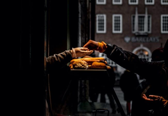 Food On The Go Streetphotography EyeEm Best Shots Shootermag The Foodie - 2015 EyeEm Awards Mealtime Food Porn Awards ShareTheMeal