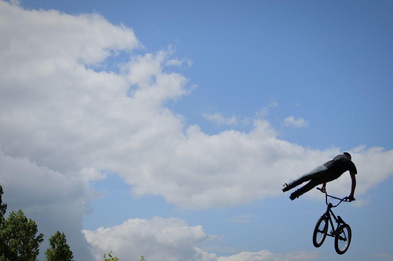 Beautiful stock photos of bike, Berlin, Bicycle, Cloud - Sky, Danger