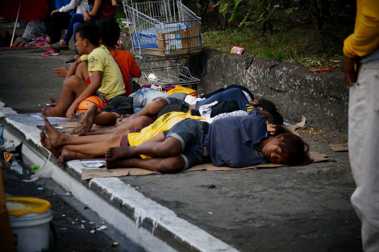 Young Men Sufferingforthegood Adapted To The City Poor Children Homeless Awareness Homeless Kid EyeEm Phillipines EyeEm Manila Eyeem Philippines Manila Phillipines Streetphotography Hunger For Love Sleeping Boy Sleepinginthestreet Nofamily Noparents Abandoned Uneducated Helpless Kid Streetlife Hopeless Hopelessness Sacrificing Unhappiness Loneliness