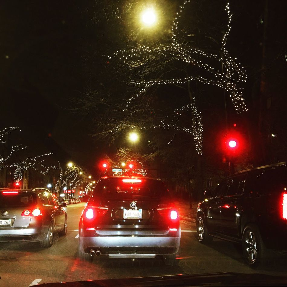 Christmas Decoration on Sheridan in Rogers Park Chicago Illinois Xmas Streetphotography Traffic Driving Tistheseason