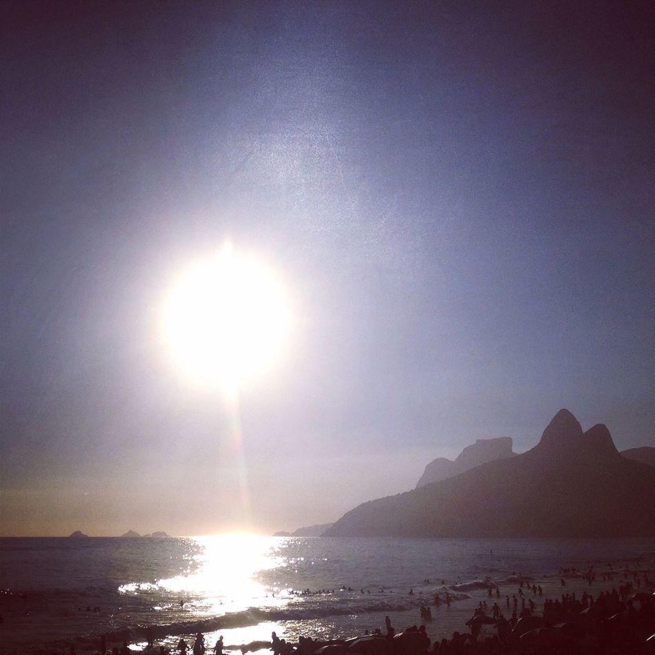 Rio De Janeiro Eyeem Fotos Collection⛵ Day Beach Ipanema Beach O Rio De Janeiro Continua Lindo 🎶 Sand The City Light Beachphotography Reflection Illuminated Brazil Beauty In Nature Sea Beach Photography Beach And Sky Beach And Montain