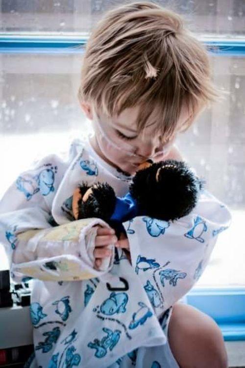 Illness Hospital Sick Child Childrens Hospital Sick Child Quota Club Teddy Bear Children Only Childhood Males  One Boy Only Child