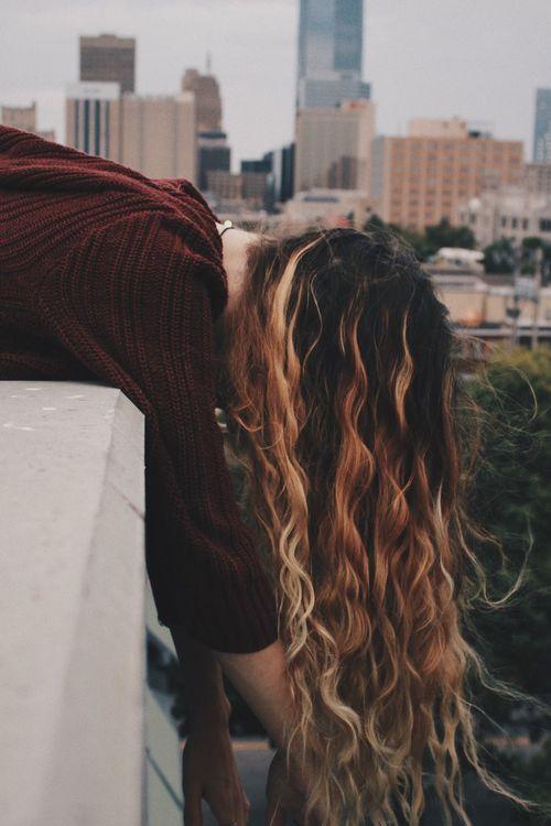 beautiful, long hair ➡️ Longhair HealthyHair Cityphotography Portrait Portraitmood 🖤 Main IG: @blazingwallflxwer_ 🖤