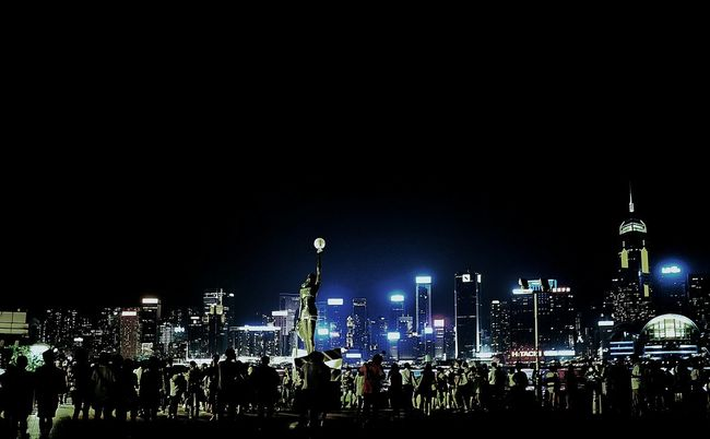 Hongkong Photos Cityscapes Travel Night View Night Lights Taking Photos People Watching Streetphotography Walking Around Streamzoofamily