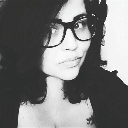 Eyemselfie Selfie Photography Eyemphotography Eye4black&white  Blackandwhite Glasses Miami Latina Monochrome