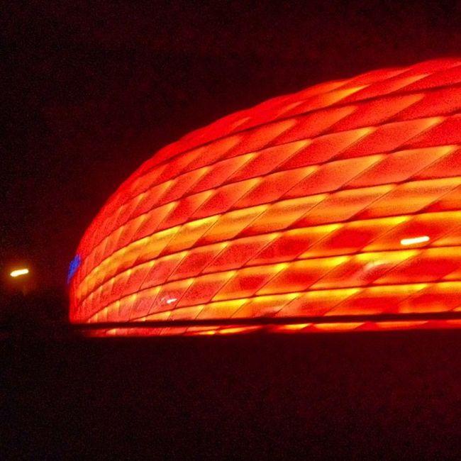 Home again #munich - cancelled the train trip back - cars are much more me... FCB Munich Arena Bayern München Blogger Igersgermany Instalove Light Igersmunich Soccer Fcbayern Home Allianzarena Germany Pureglamtv Travel 1860 Red Trip Stadium