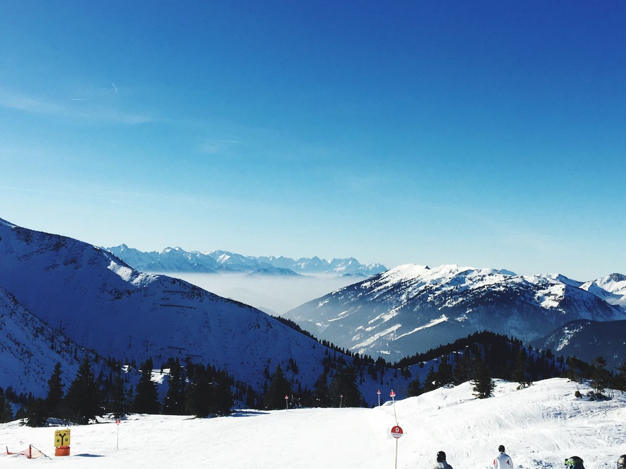 Sky Ski Holiday Snow Snowboarding Cold Temperature Blue Winter Mountain Landscape Alps Alpen Wintersport Sun Sunlight Sumset Outdoors Mountain Range Tranquility Day Winter Sport Snowcapped Mountain Nature EyeEmNewHere Wiew EyeEm Nature Lover