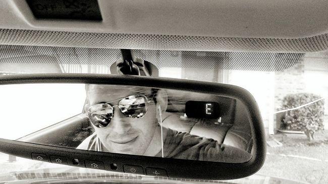 Selfie in the review mirror. Selfie ✌ Showcase July Review Mirror Aviator Sunglasses Sunglasses Leather Seats