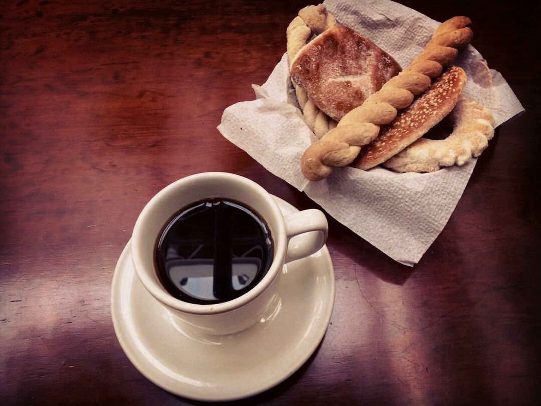 Mexican awakening Bread Food And Drink Coffee Coffee Time Coffee Cup Coffee Break Coffeelover Coffeeart Coffeeaddict Coffeeaholic Breakfast ♥ Mexican Breakfast Mexican Bread