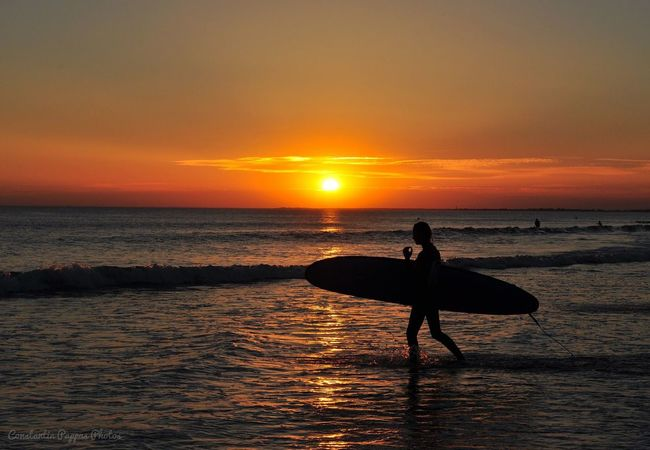 Surfin' sunset ✨ Surfing Surfer Sunset Sunset Silhouettes Sunset_collection Beach Beachphotography