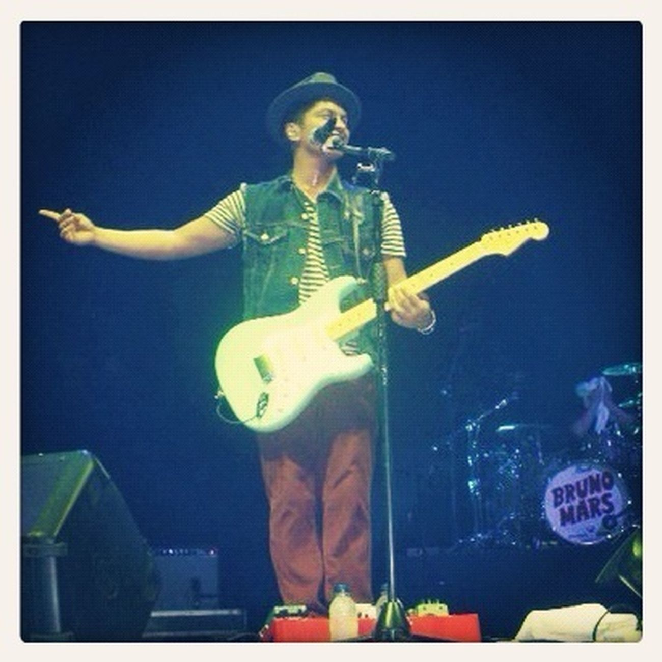 What an awesome day ? I watched BrunoMars concert april 05 2011.. Concert was fucking awesome.. such a perfect day ever!! Xoxo