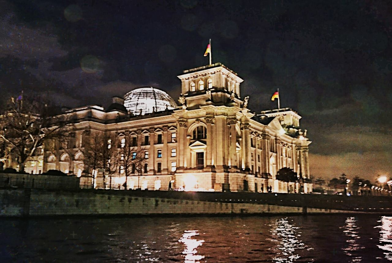 Government Night Architecture Sky Outdoors No People Travel Destinations Taking Photos Gangsters Paradise Hello World Walking Around Illuminated Enjoying Life Check This Out Nice Atmosphere Capture Berlin