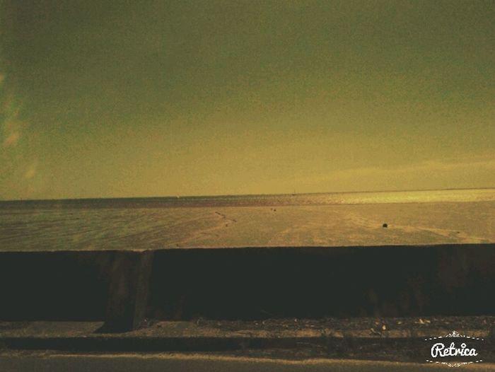 la plage c'est un endroit ou on peut tout oublier sauf les choses les plus importantes!<3