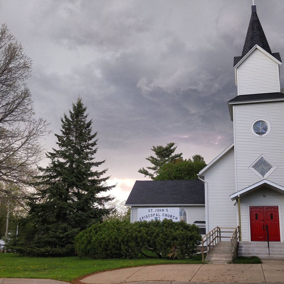 Lighting Beforethestorm Beforetherain Church Sky Sky And Clouds Check This Out Clouds Taking Photos Minnesota Smalltownusa Aitkin Gray Sky
