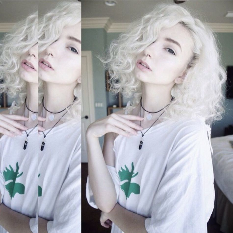 Curly bob for the day, and new necklaces 👽💦 Life Fashion Cute Style Beautiful Happy Love Gorgeous That's Me Blonde Hair Hot Pale Sexygirl Faces Of EyeEm Eyes Beauty Girl Model Me