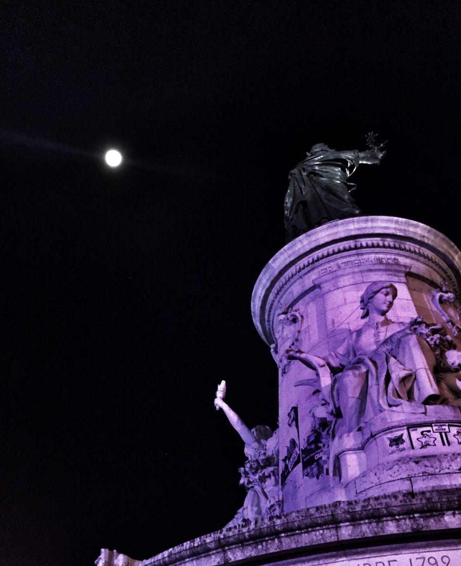 Place de la republique Paris First Eyeem Photo Paris ❤ Paris Je T Aime ParisByNight Paris, France  Parisjetaime Parisian Place De La République Je Suis Paris Moonlight Moon Shots