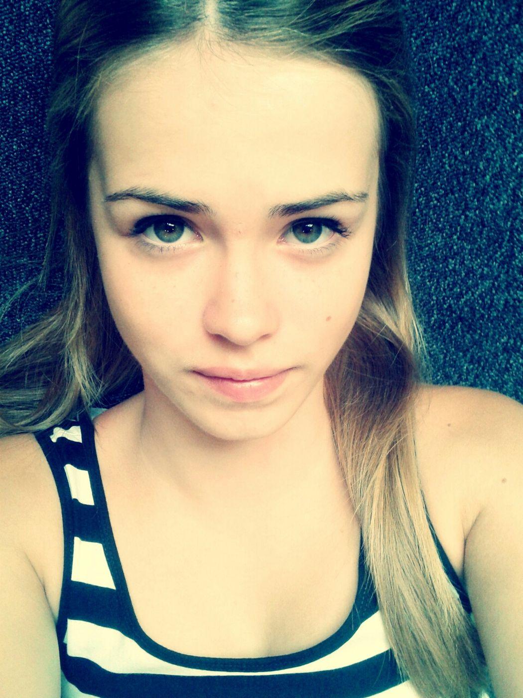 Me Blondbrownhair BlondeAndGreenBlueEyes :D