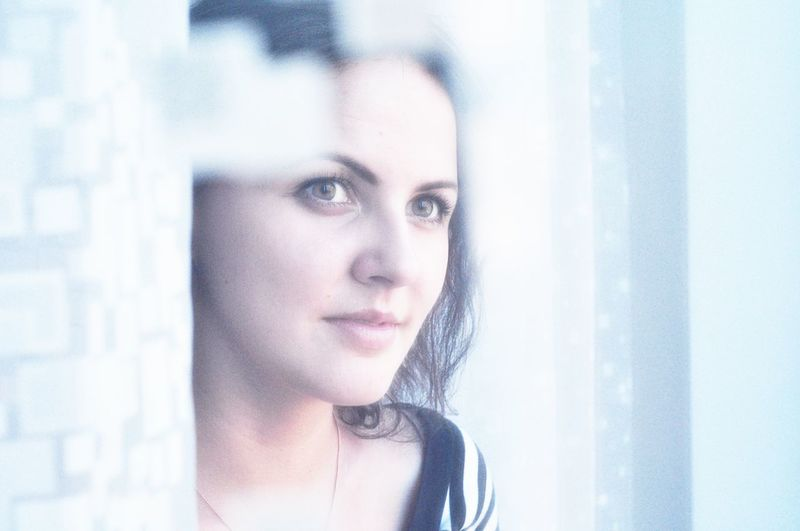 Its cold Cold Cold Days Colors Portrait Eyes Beautiful Portrait Of A Friend Glance Beauty Face Like4like Big Eyes Followme Blue Winter Cold Winter ❄⛄ Cold Morning Portrait Photography Beautiful Girl It's Cold Outside Moments Faces Cute Through The Window White