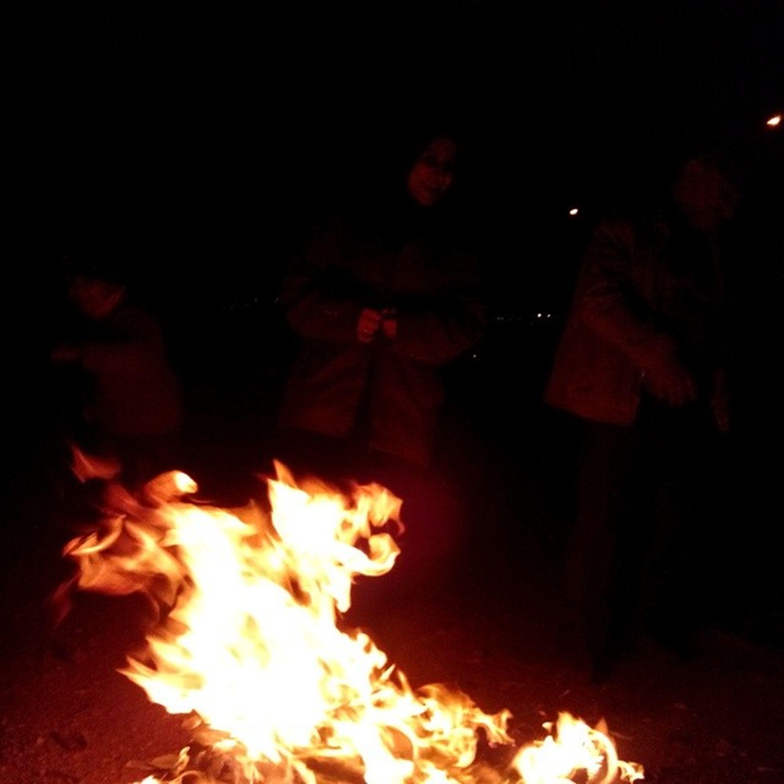 burning, flame, fire - natural phenomenon, heat - temperature, bonfire, night, fire, glowing, firewood, campfire, heat, illuminated, dark, light - natural phenomenon, orange color, fireplace, motion, smoke - physical structure, close-up, indoors