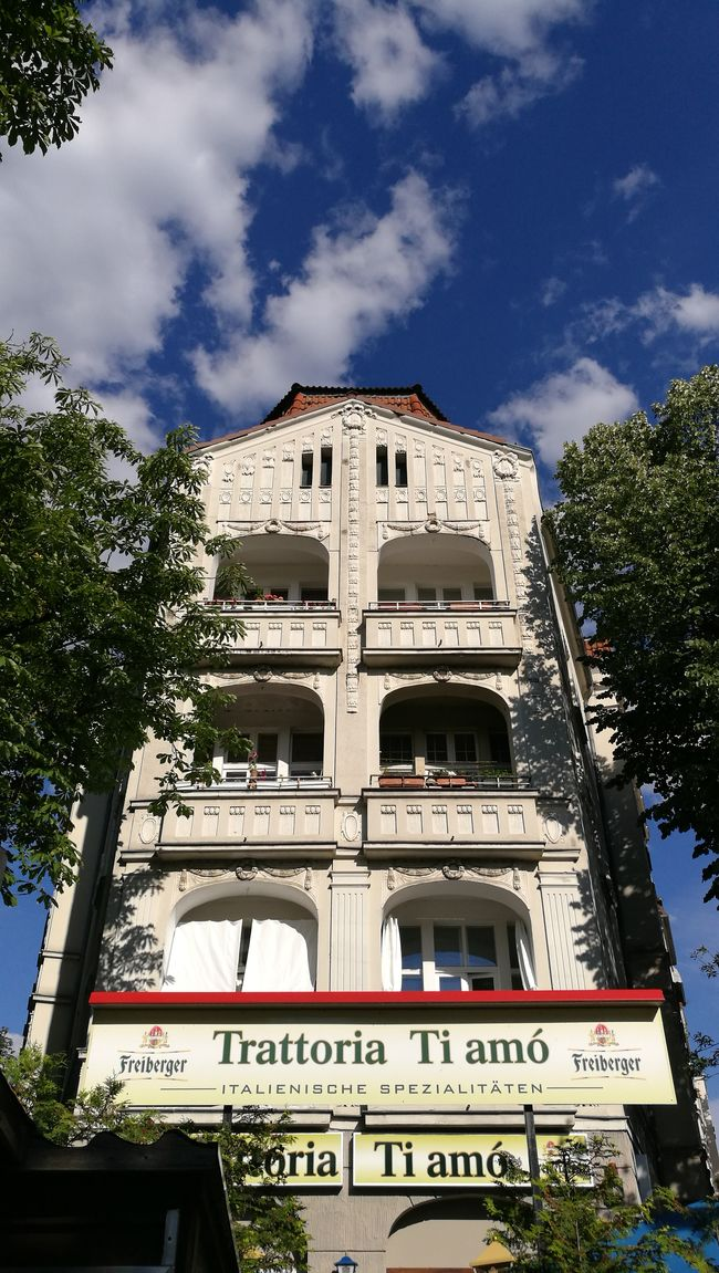 House Facade Restaurant Blue Sky Berlin Steglitz Sky And Trees Trattoria Ti Amo The Week Of Eyeem Sky And Clouds Battle Of The Cities
