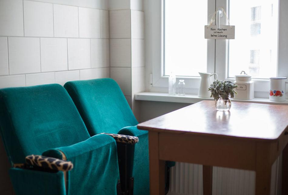 Kitchen Life Chairs Chairswithstories Cinema Chairs Cupboard Einrichtung Herbs Interior Interior Design Kinosessel Kitchen Kitchen Life Kitchen Utensils Küche Picture Radio Solebich Vintage Vintageradio Wohnglück Wood