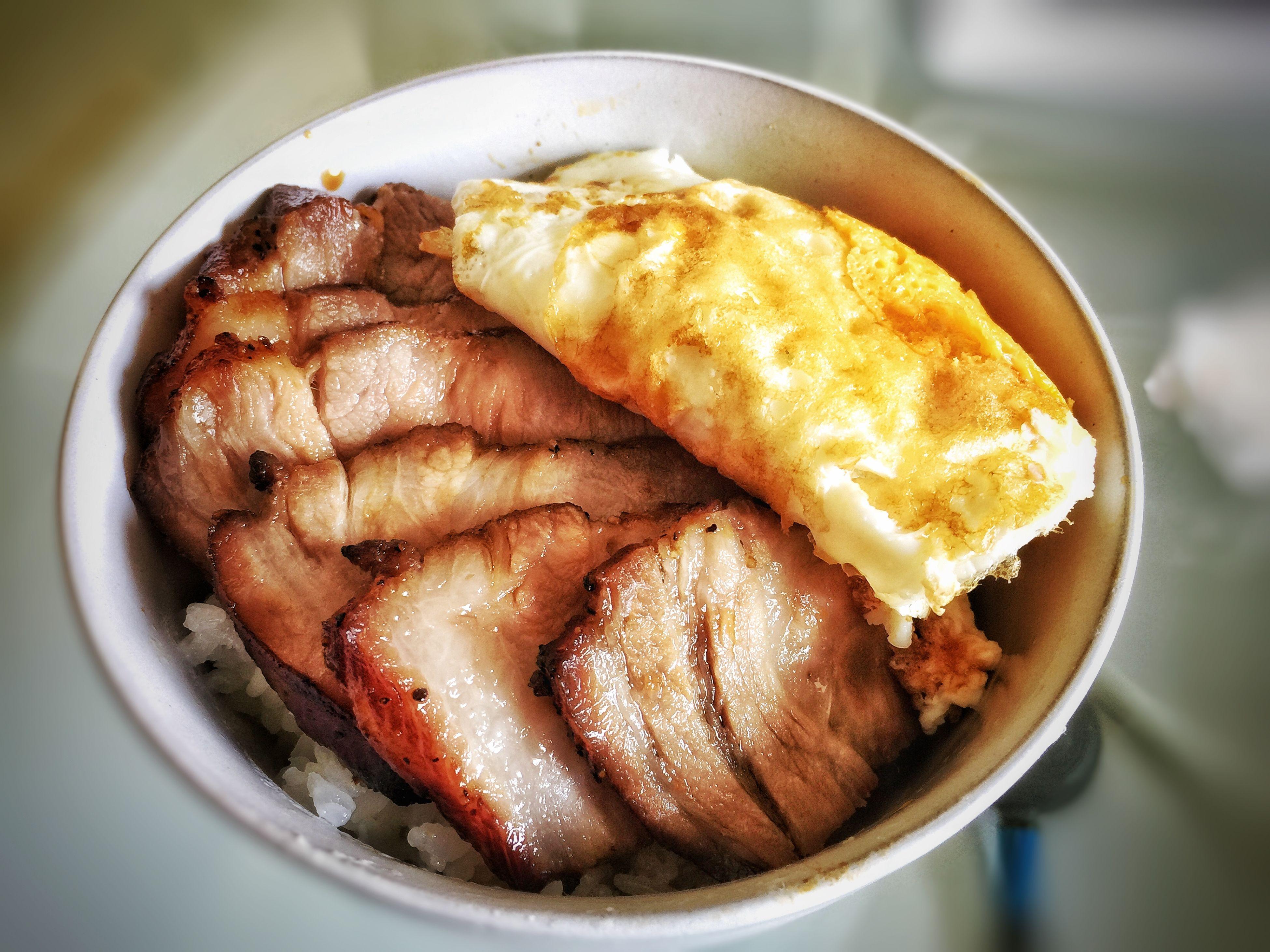 """自製蜜汁叉燒,可惜沒有綠色青菜,不然就是食神的黯然銷魂飯了哈哈哈哈!My 2nd homemade """"Chinese BBQ Pork""""!!! Homemade BBQ BBQPORK Chinese Food Chinesebbqpork Snapseed Foodphotography"""