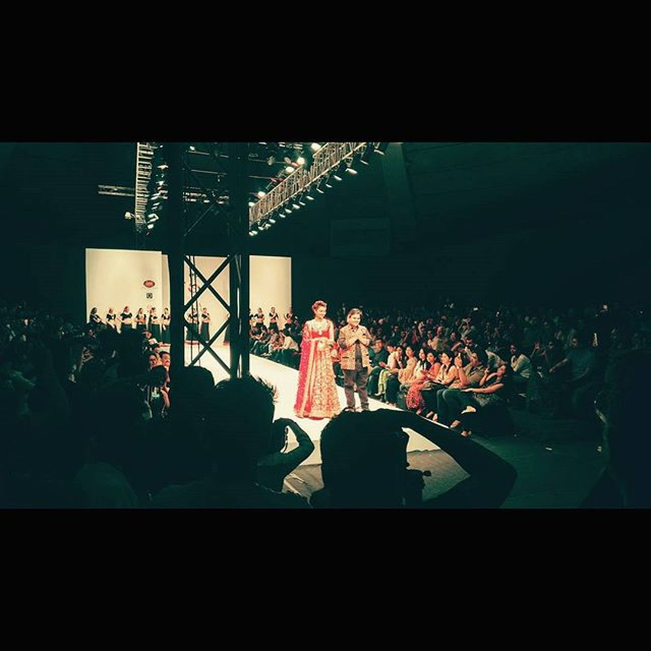 """The Show Stopper"" IFFD Akashkagarwal Gauharkhan Showstopper Fashion Talkatorastadium Mindtwisterfilms Newdelhi"