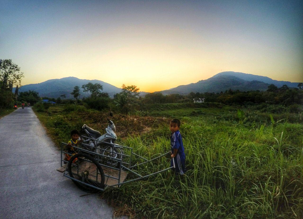 Life Children Nature Snapshots Of Life Streetphotography Journeyphotography Twilight Sky Nakhon Si Thammarat