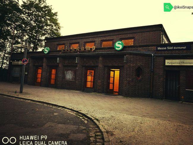 Eichkamp Eingang Berlin Eichkamp Bahnhof HuaweiP9 Leicacamera