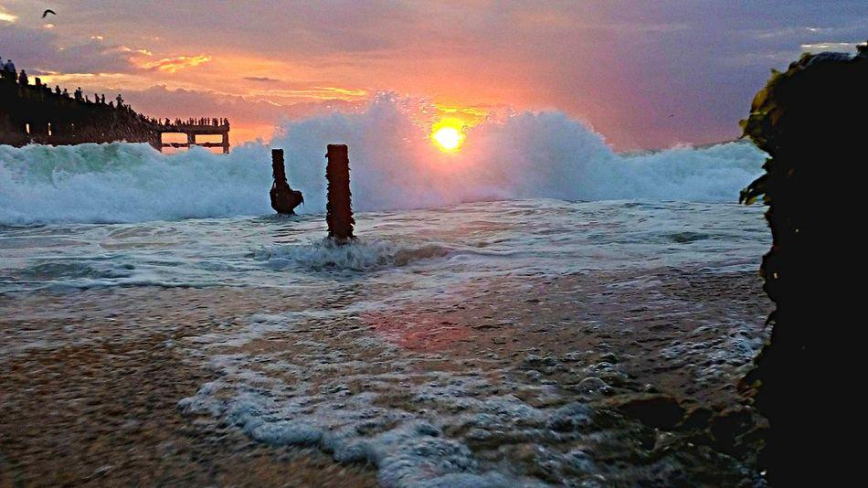 Sun Set Lenovo Waves Crashing Taking Photos Seaside Mobilephotography Watching Waves Sea Shadows & Lights Waves Sunshine Sunset Red Sun Between The Waves
