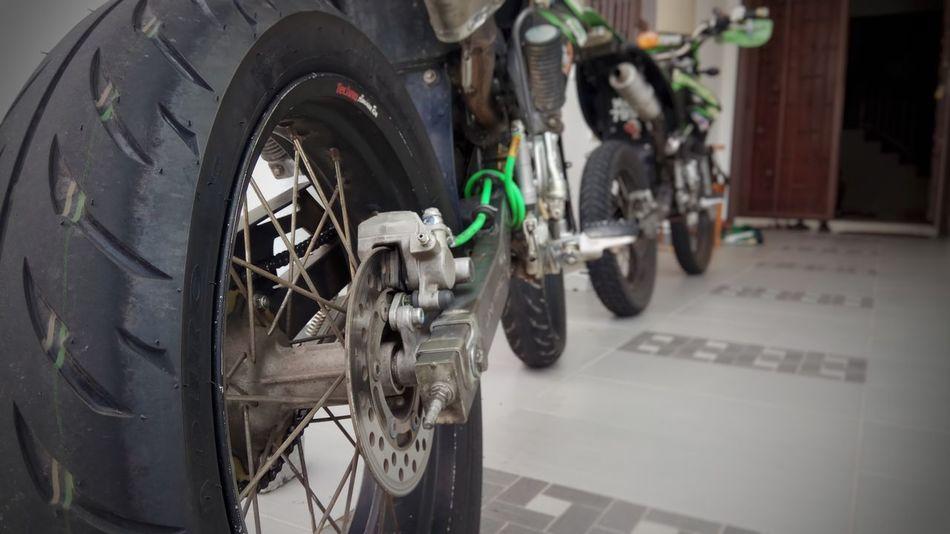 Scrambler Bikers Ridersalute
