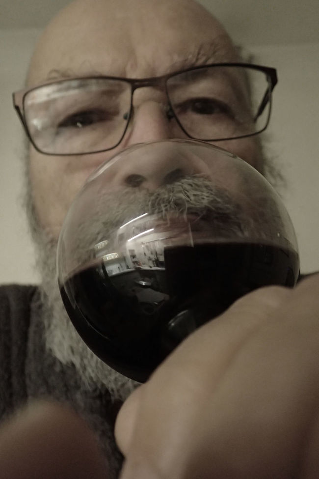 Addiction Alcool  Close-up Drink Drinking Glass Drunk Eyeglasses  Indoors  Looking At Camera Old Man One Person Real People Vertical Wine Glass