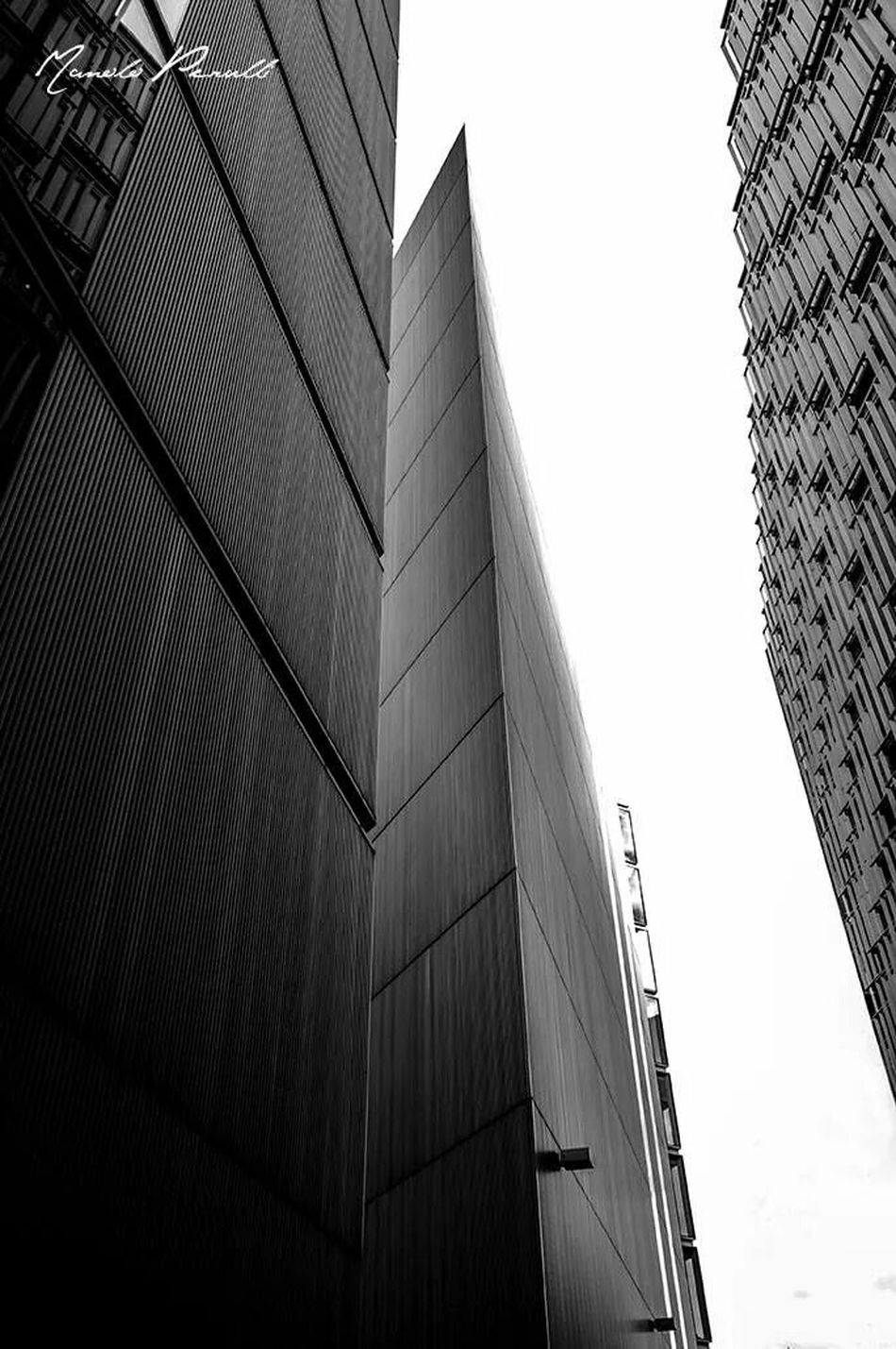 London Architecture_bw Manolo Perulli Fotografie Change Your Perspective Shootermag Long Lines The World Is Mine Dark Paradise EyeEm Best Shots - Architecture EyeEm Best Shots