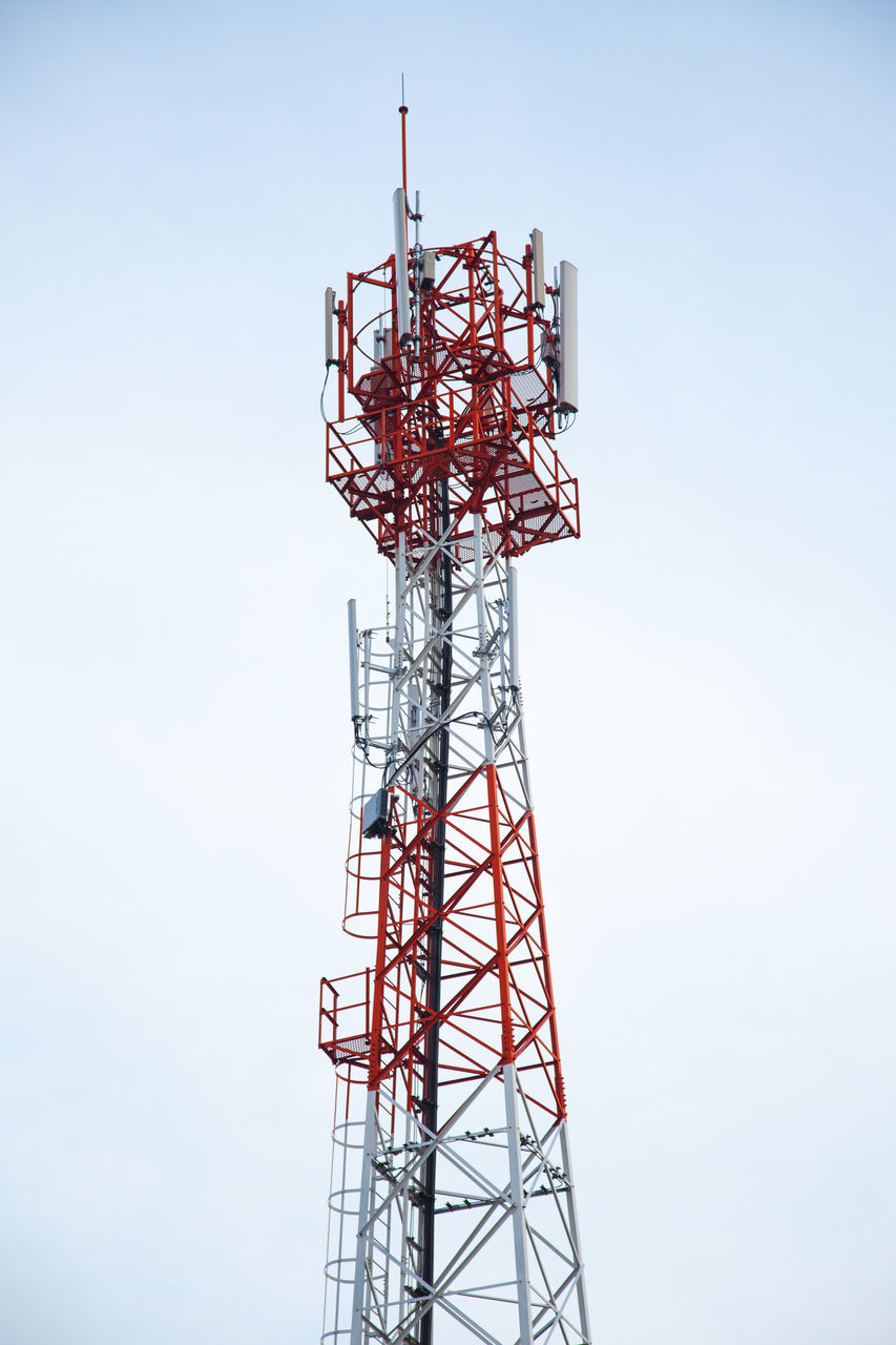 tower, low angle view, communication, architecture, technology, day, outdoors, global communications, no people, built structure, wireless technology, sky