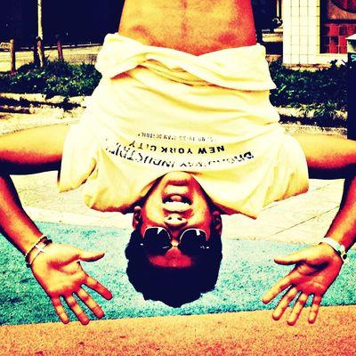 Pongamos de moda la felicidad. Hanging Out Enjoying Life Hello World Check This Out