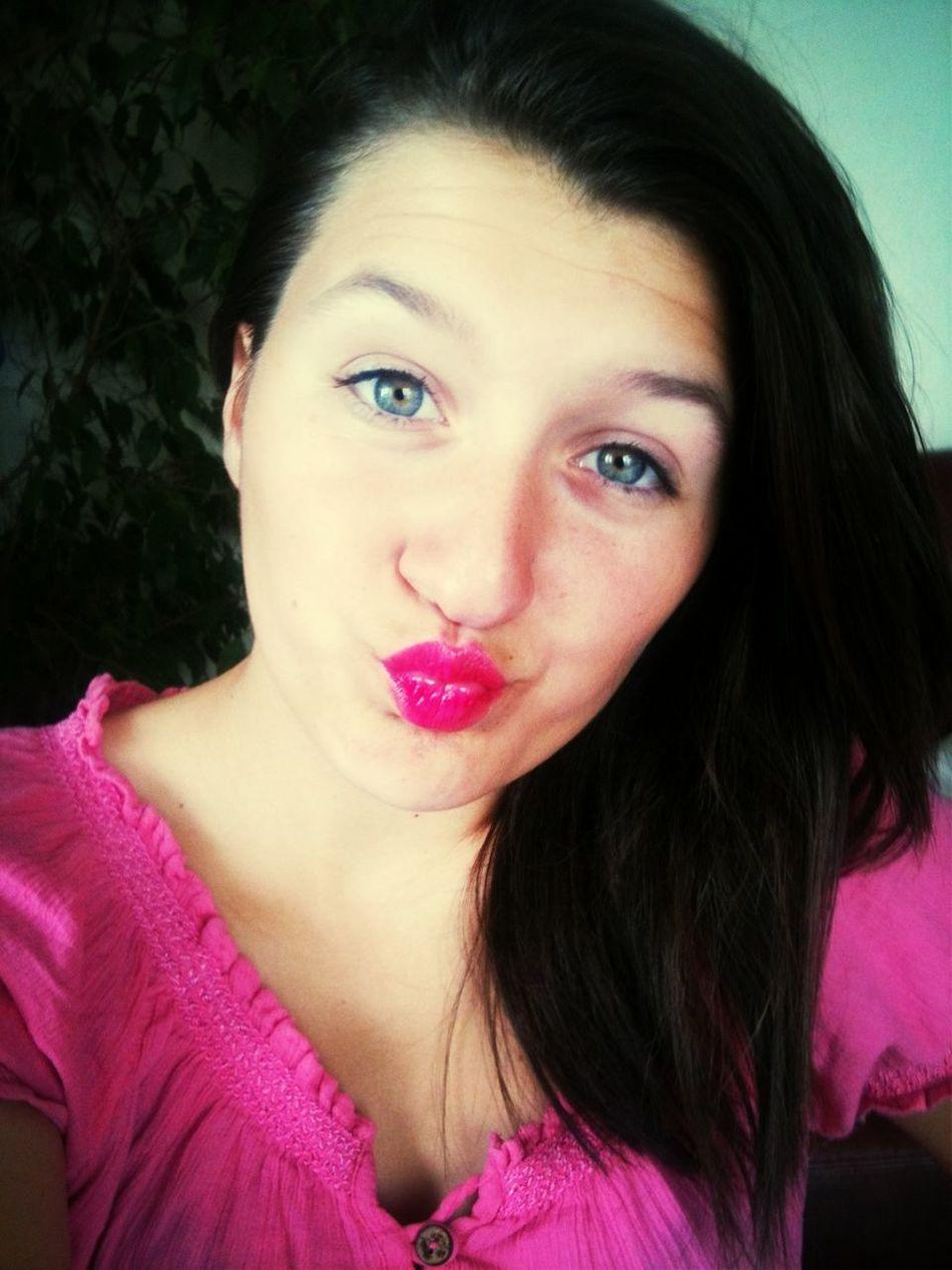 I Give You A Kiss !
