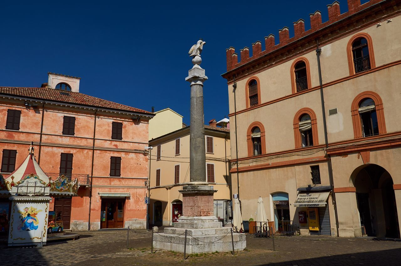Ravenna Ravenna Built Structure No People Building Exterior Architecture Outdoors Sky Day Italy Blue Sky Historical Building Historic Colorful Vivid City Urban Piazza Medieval Medieval Architecture Column Monument Statue Sculpture Textures And Surfaces Weathered