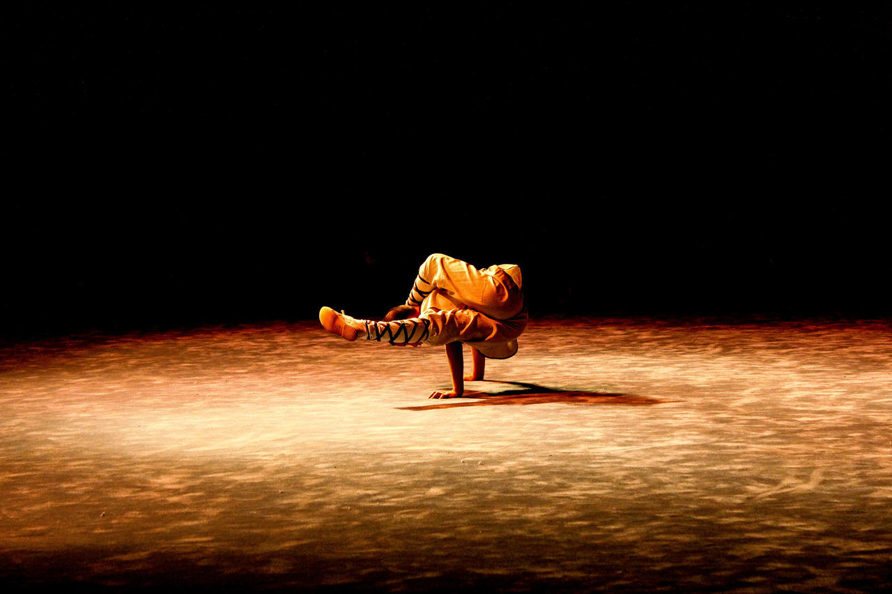 When your mind is free Black Background Darkness And Light Quite Sculpture Shaolin Shaolin Temple Shaolinkungfu Sport Training