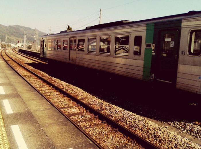 一両だけの、日本っぽくないレトロな牟岐線。