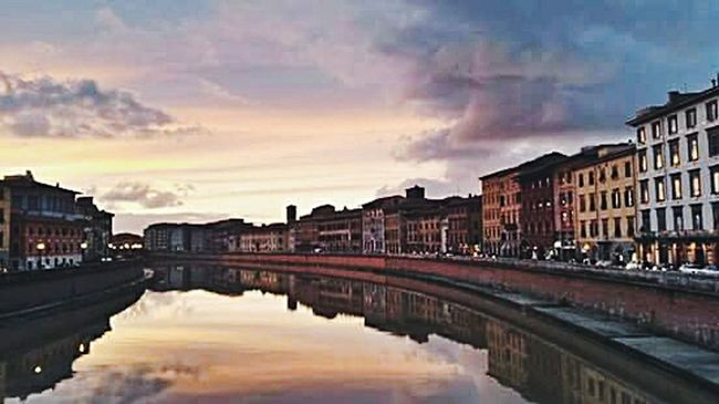 😠😠 quality. The amazing Pisa, Italy. Pisa Italy Italian Landscape Amazing View Amazing View River River View Check This Out Sunset