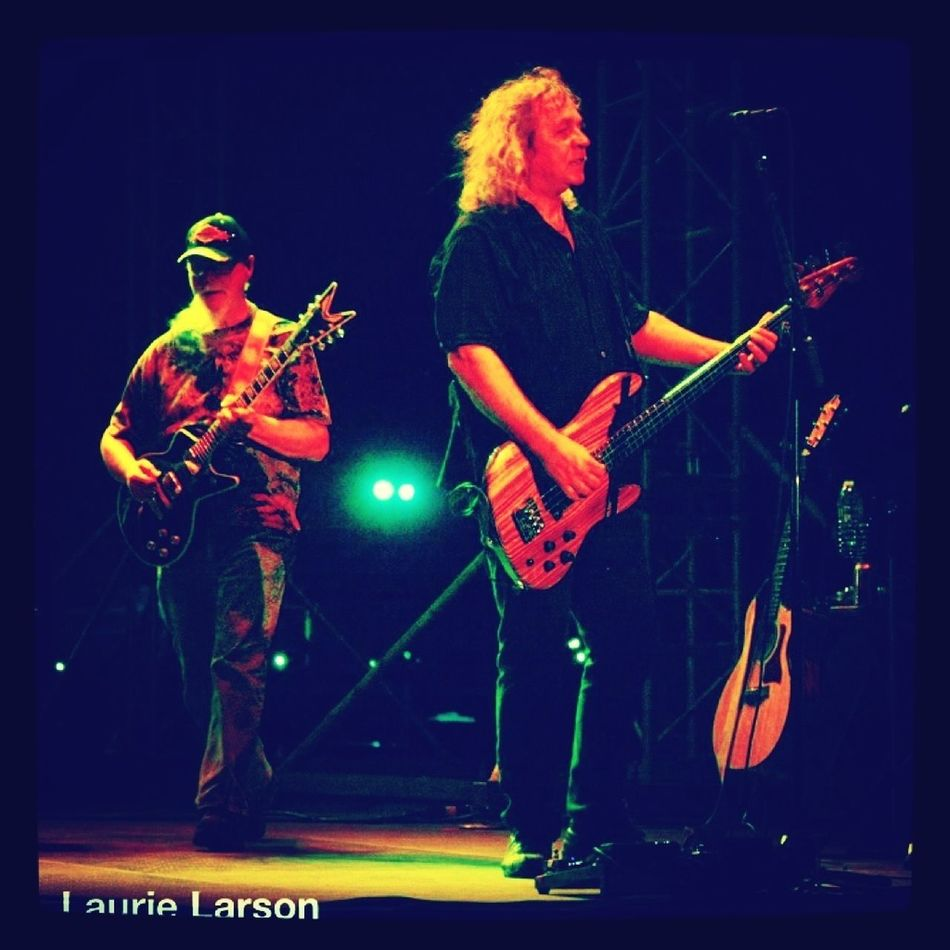 Kerry Livgren, Billy Greer on Stage at 40th Anniversary of band Kansas in Pittsburgh Enjoying Life Check This Out